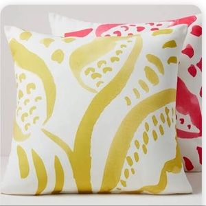 WEST ELM LEAF OUTDOOR PILLOWS YELLOW SET / 2 NWT